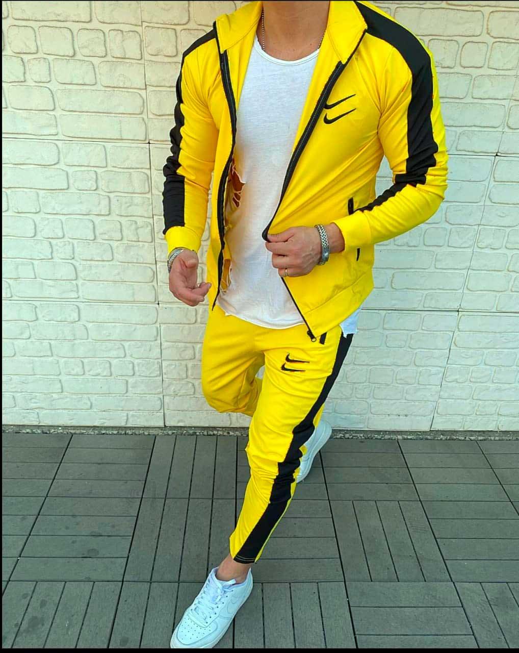 Nike Swoosh спортивный костюм желтый